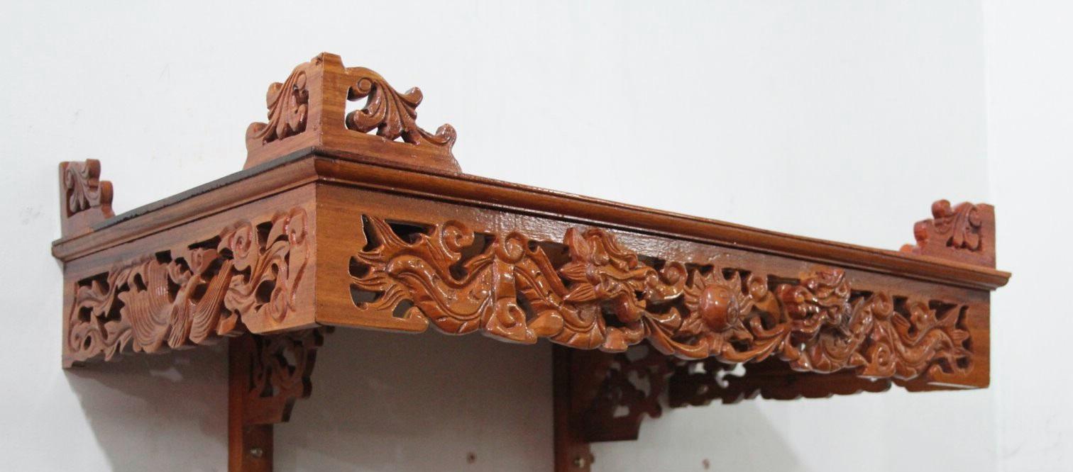Kiểu dáng thông minh, phù hợp với nhiều không gian của bàn thờ treo chạm rồng